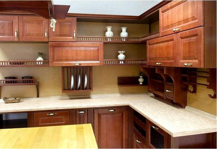 Если кухонная мебель, то только из лучших пород дерева
