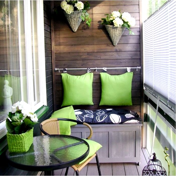 Как украсить и улучшить маленький балкон - простые советы